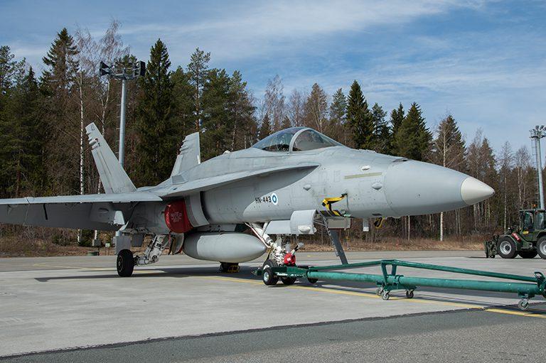 Boeing F/A-18 Hornet -monitoimihävittäjä