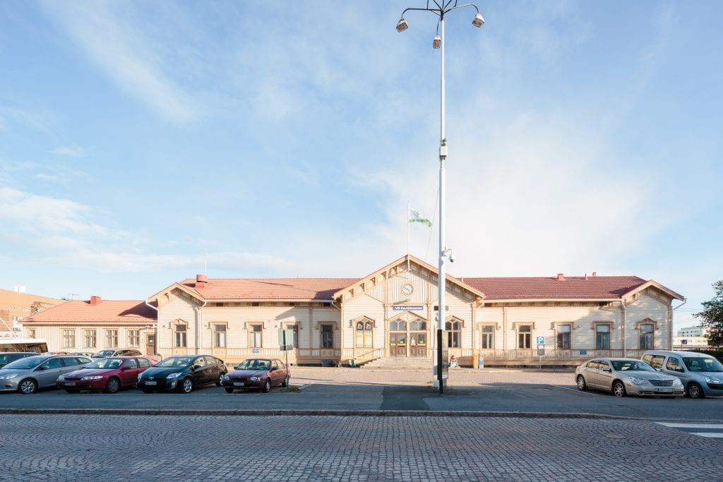 Oulun rautatieaseman päärakennus